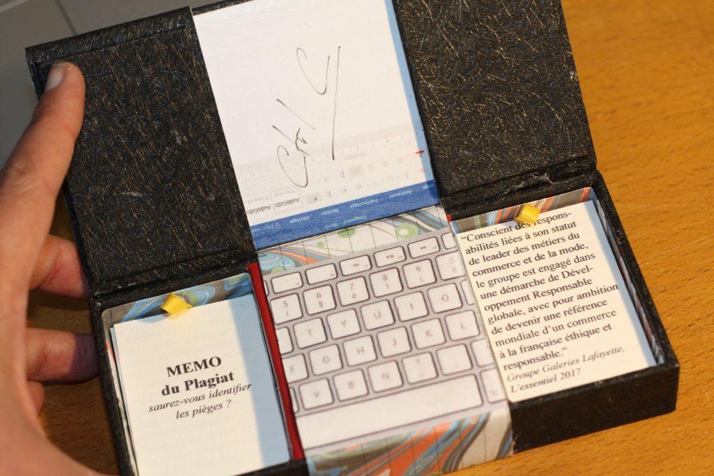 Intérieur (2) boite magique avec mémo du plagiat
