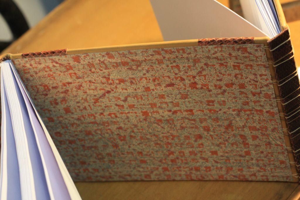Détail plat du milieu - Papier dominoté de Atelier Folio